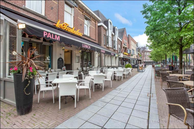 Valkenswaard, Eindhovenseweg 46 en Aambeeld 21-29
