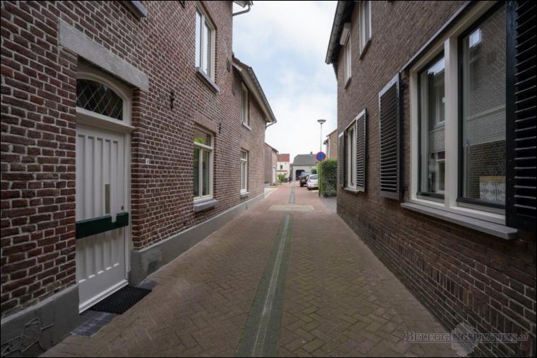 Beek, Smedestraat 4