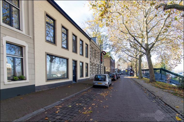 Roermond, Pastoorswal 4, 4A en 4B